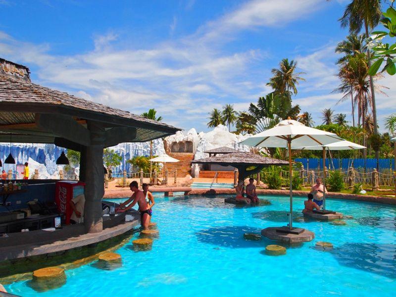Splash Jungle Water Park in Phuket - Mai Khao Beach